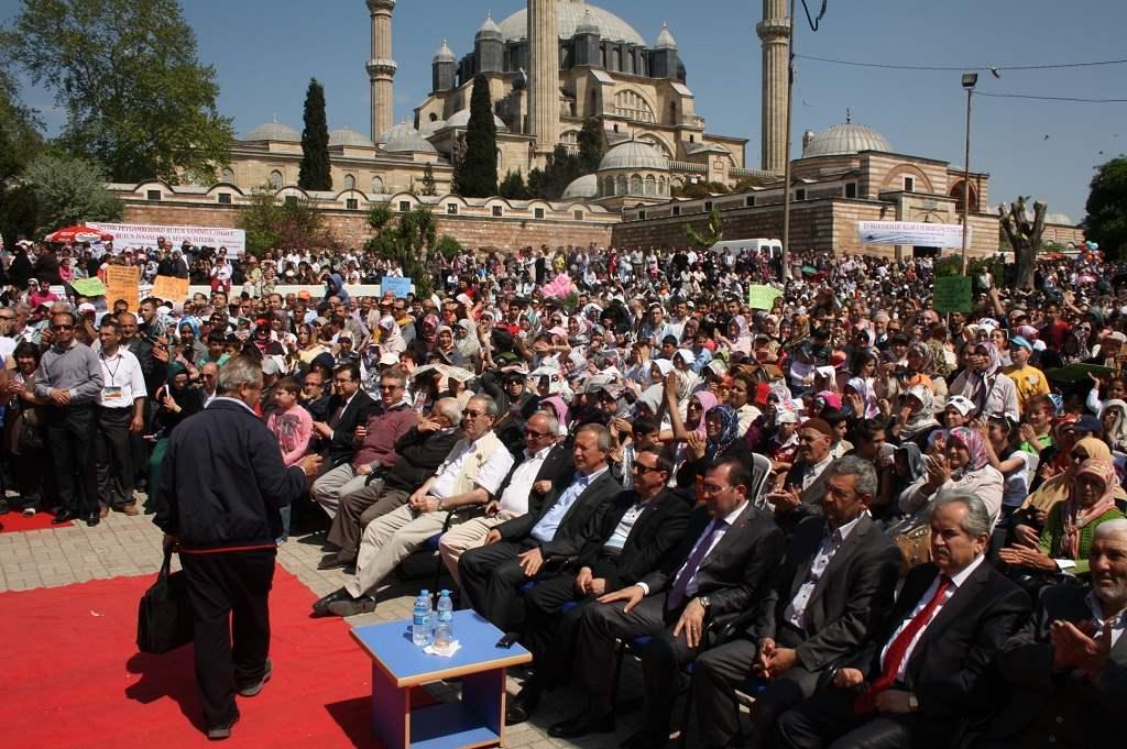 28 Nisan'da Selimiye Meydanında